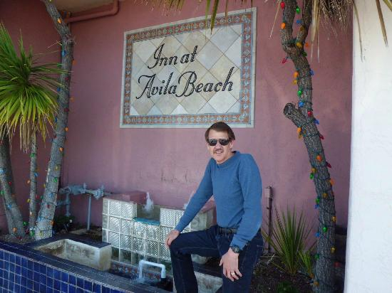 Inn at Avila Beach: In front of hotel