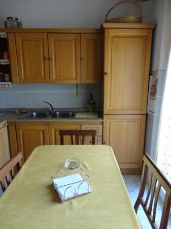 B&B il Gran Ducato: View of kitchen