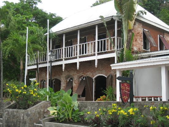 The Old Gin House: Front of hotel