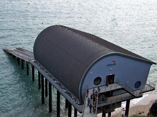 Padstow Harbour : padstow lifeboat station at trevose