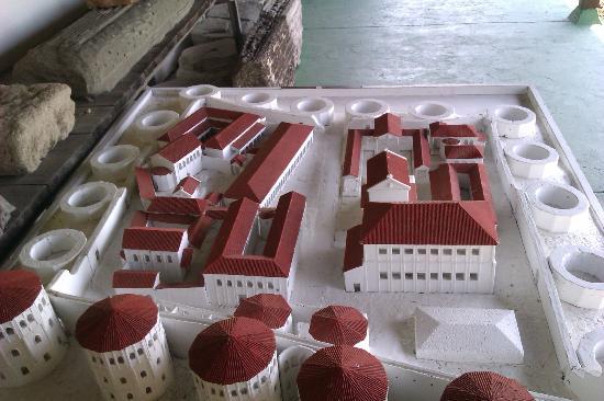 Felix Romuliana in Gamzigrad: Ideal reconstruction