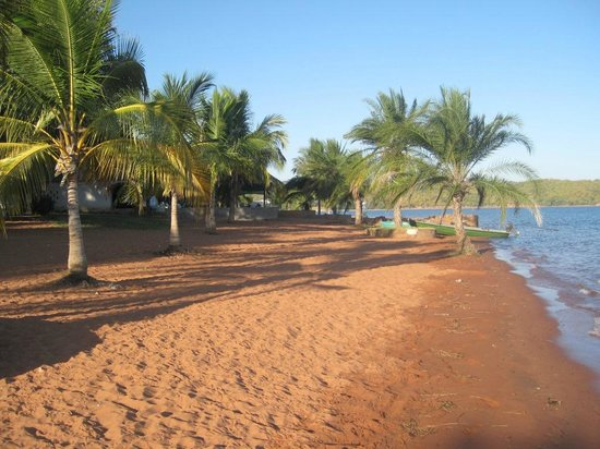 Siavonga, Zambia: real sandy beach