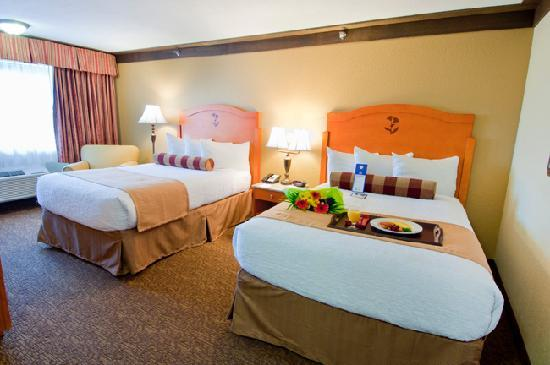 Best Western Plus Abercorn Inn: Two Double Beds