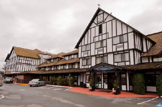 Abercorn Inn Vancouver Airport: Exterior Photo