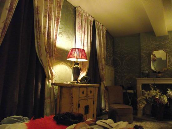 Marais House: Bedroom