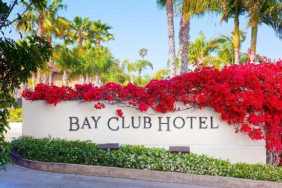 Bay Club Hotel & Marina: Bay Club Sign Flowers