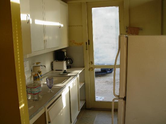 Boynton's - Hacienda del Sol: Small, clean kitchen
