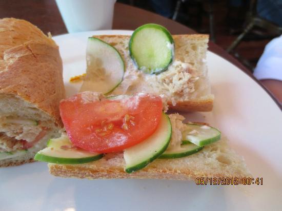 La Petite France: Nicoise sandwich