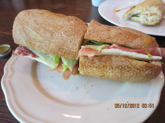 La Petite France: Marseille sandwich