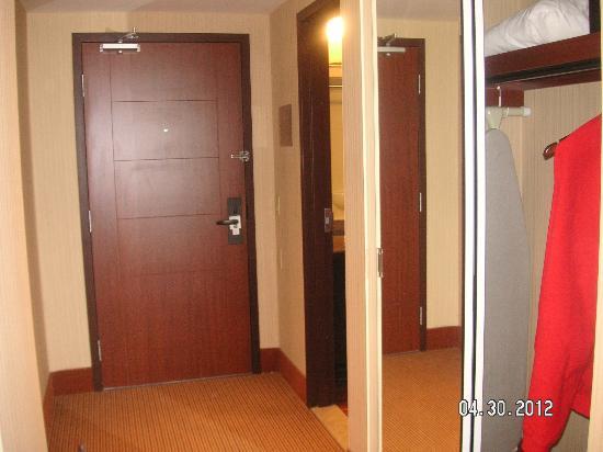 Quality Inn & Suites Levis : hallway entrance suite 218