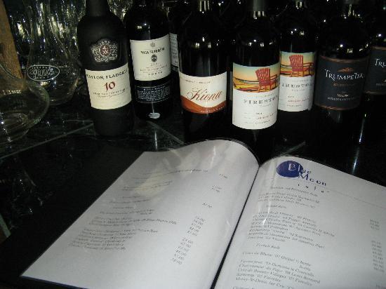 Blue Moon Cafe : Nice wine list