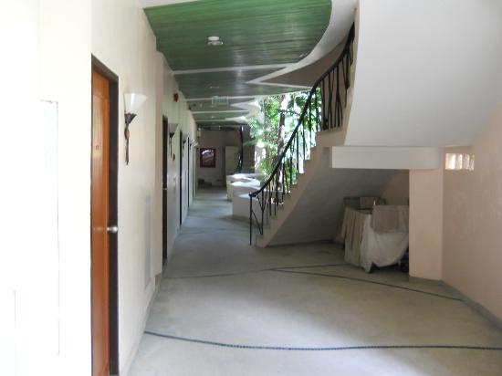 Chaba Samui Resort: Коридор