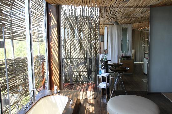 Singita Lebombo Lodge: Bathroom