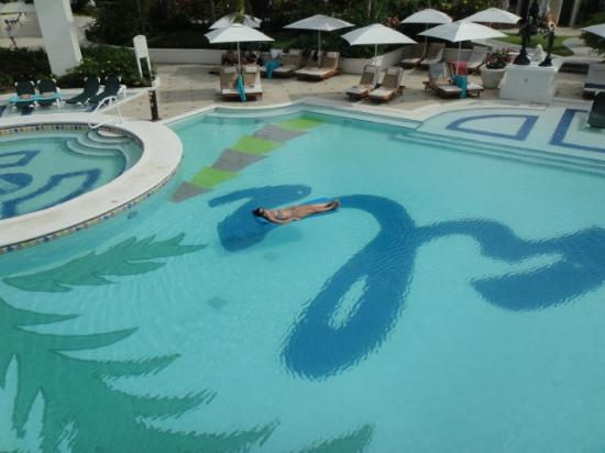Nightlife picture of sandals grande st lucian spa for Pool and spa show charlotte nc