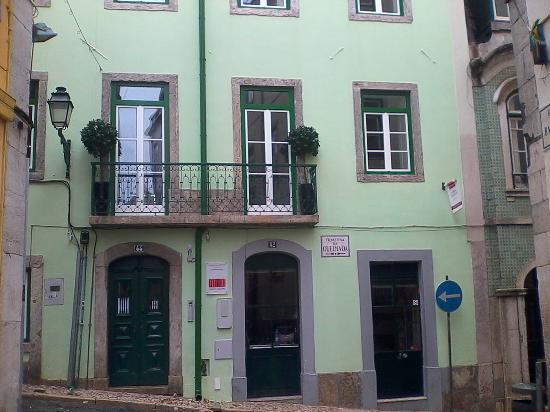 Lisbon Colours: Front