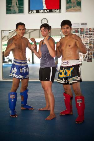 Jun Muay Thai Boxing Camp: tough girl