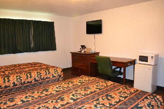 Budget Inn : Flat Screen in each room