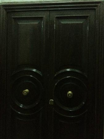 A Santa Brigida : The strong doors guarding the apartment!