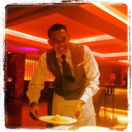 Feringgi Grill : he wins best smile