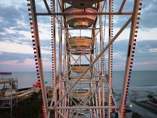 Family Kingdom Amusement Park: Ocean view from ferris wheel