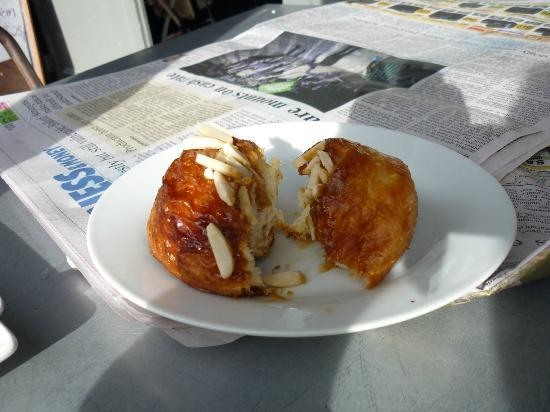 Provisions of Arrowtown Cafe: Provisions 'sticky bun'