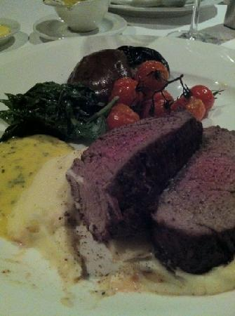 Feringgi Grill : Chateaubriand for Two.