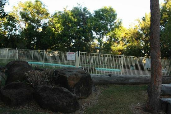 Bedrock Village Caravan Park: Swimming Pool