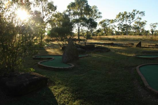 Bedrock Village Caravan Park: Mini Golf course!