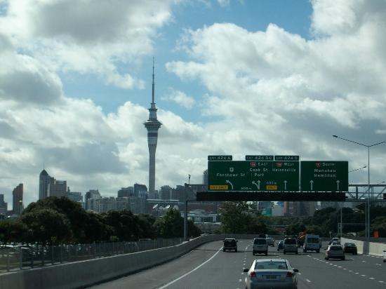 Auckland Harbour Bridge: ハーバーブリッジ
