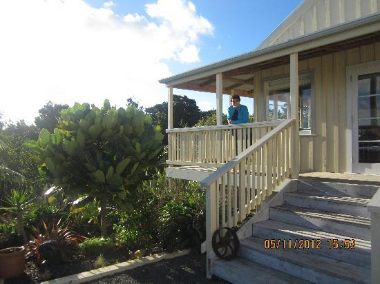 Waipoua Lodge: On the verandah of Woolshed