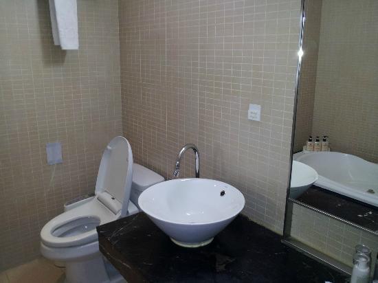 Life Style L Hotel: 洗面台トイレ