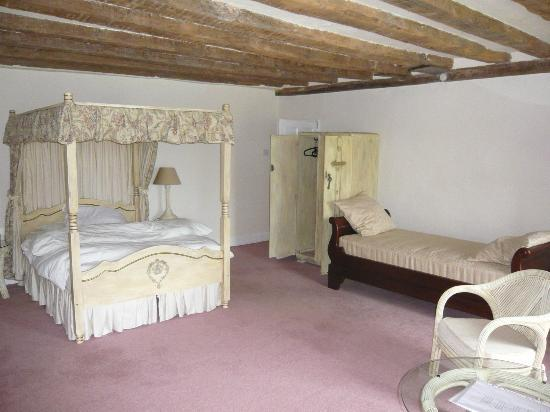 Part-Y-Seal Bed & Breakfast: Four poster room