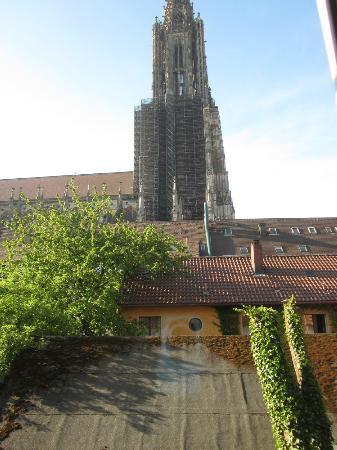 Hotel Bäumle: ホテルの廊下から大聖堂がすぐ見えます。