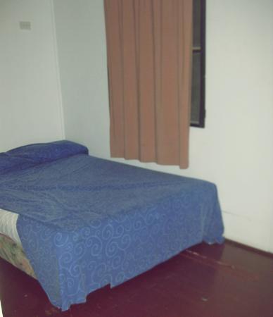 Beach Escape Villas: Main bed