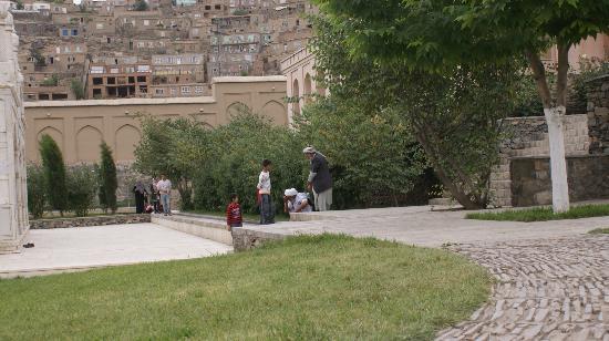 Bagh-e Babur: Сады Бабур-шаха. Молитвенное место