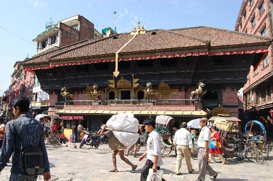 Akash Bhairav Temple: templo