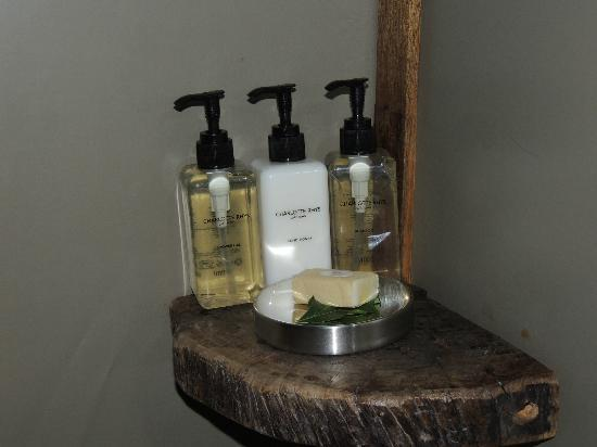 Wilderness Safaris Toka Leya Camp: Bathroom toiletries