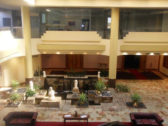 Rendezvous Hotel Perth Scarborough: Hotel foyer