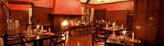 Aberdare National Park, Kenya: Dining room •	Offering first class cuisine with a selection of European, Asian and Kenyan dishes