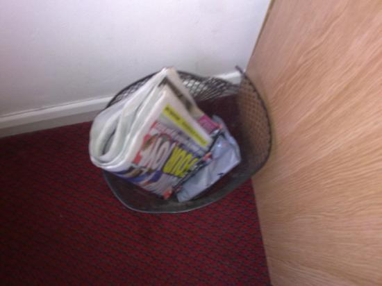 The Fusilier Inn: Waste paper basket not emptied for 5 days