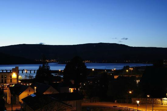 St. Andrews Guest House: Panorama notturno