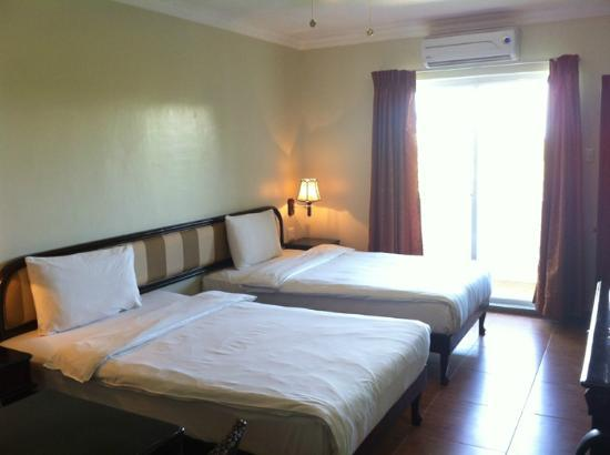 Parkside EGI Hotel & Resort : room interior