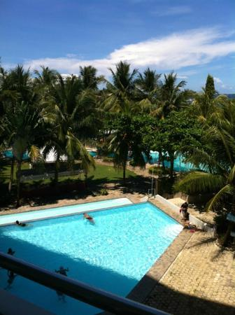 Parkside EGI Hotel & Resort : ground level pool