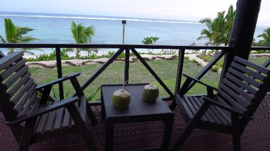 Namuka Bay Lagoon Resort: veranda