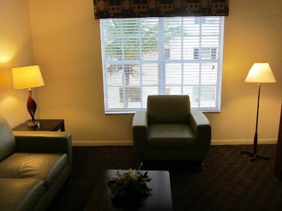 Westgate South Beach Oceanfront Resort : Sitting Room