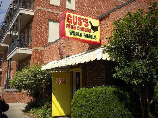 Gus's World Famous Fried Chicken: Gus's Famous Chicken - Downtown