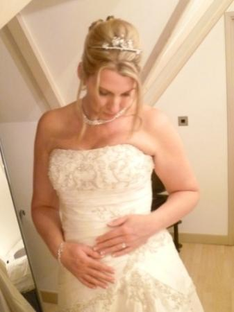 Little Silver Country Hotel: My beautiful bride relaxed on her special day