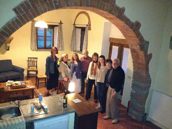 Il Pero: our group standing by kitchen