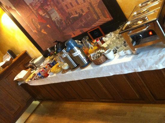 Red Chair Hotel: Breakfast