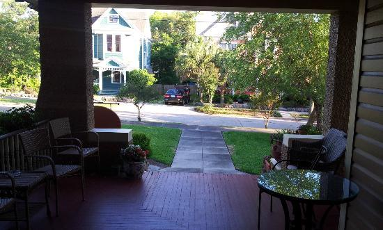Noble Manor Bed and Breakfast : Looking out from the porch-  very quiet road
